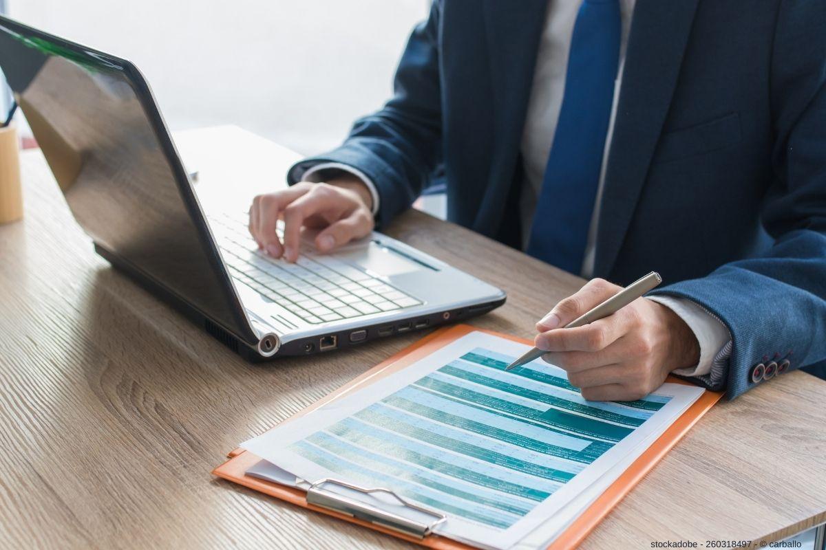 Digitalisierung in der Lieferkette - Prozessdokumentation mit professionellen Flowcharts und Aufgabenmatrix.